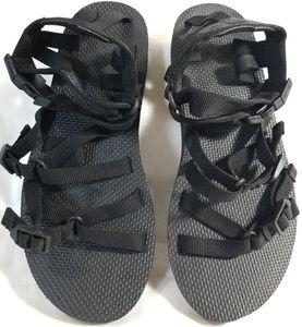 Teva Black 3 Buckle Strap Sandles Womens 7 New